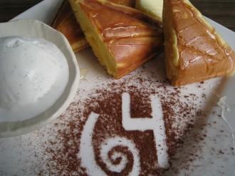 64Cafe+Ranaiのホットケーキ
