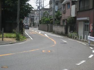 中原街道のクランク(写真)