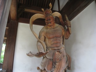 西明寺の仁王像