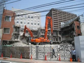 中原警察署旧庁舎取り壊し工事(府中街道より)