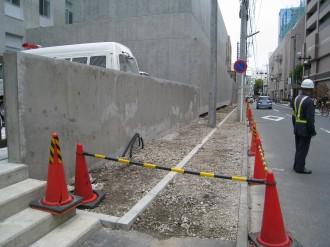 中原警察署新庁舎前のスペース