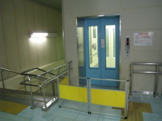 武蔵小杉駅北口エレベーター 改札階