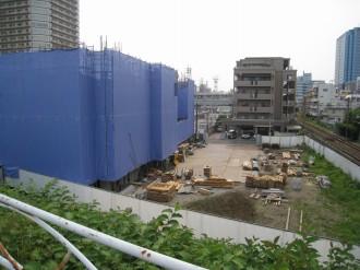 C地区マンション(綱島街道より・南武線側)