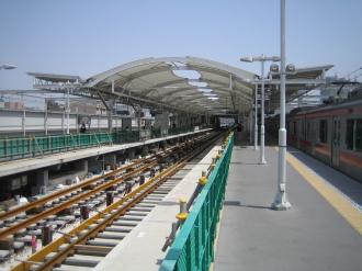元住吉駅の目黒線ホーム2
