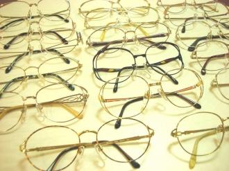 集まったメガネ