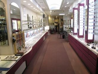 メガネのオーサカ 店内