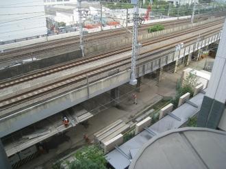横須賀線・新幹線高架下の工事